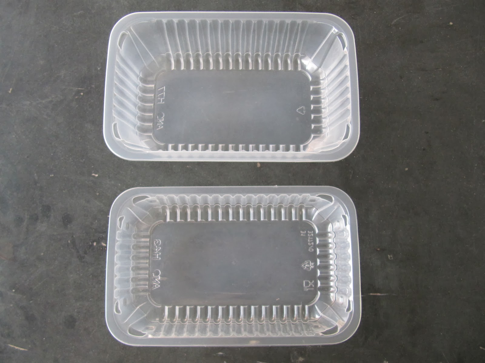 Plastic trays for food